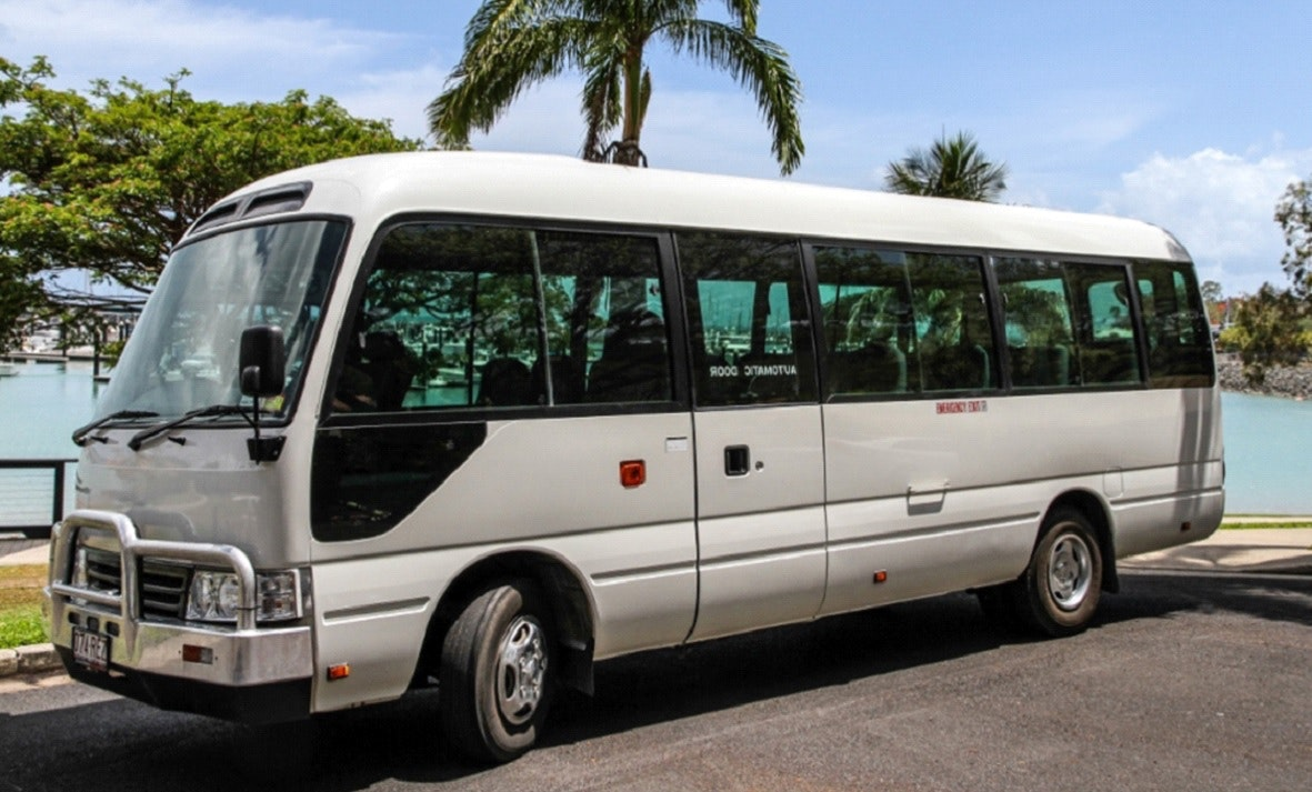 Airlie Beach Transfers & Tours service photo