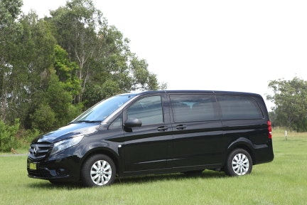 Long Black Limo Byron Bay vehicle 1