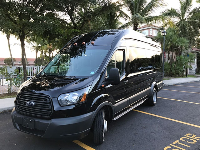 Netan Tours vehicle 1