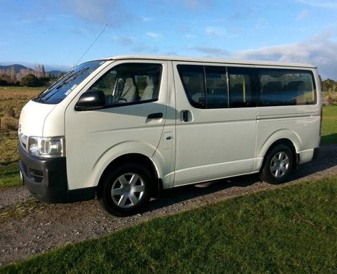 Tuatahi Airport Shuttle Limited vehicle 1