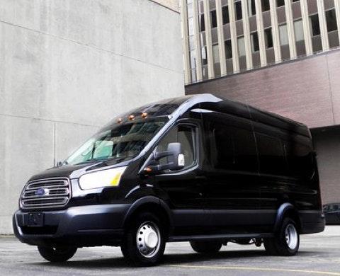 Elite Limo Milwaukee vehicle 1