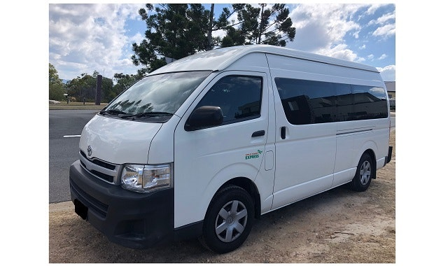 Gold Coast Express Airport Transfers vehicle 1
