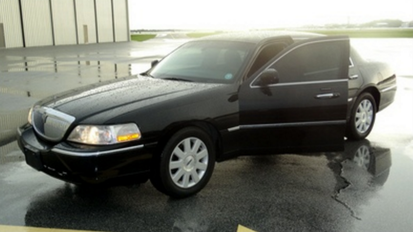 First Class Limo Service vehicle 1