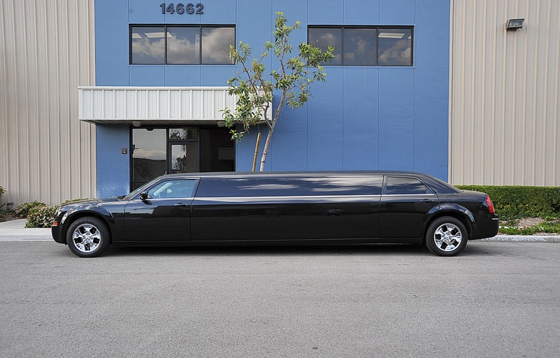 GoldstarrLimousineServices vehicle 1